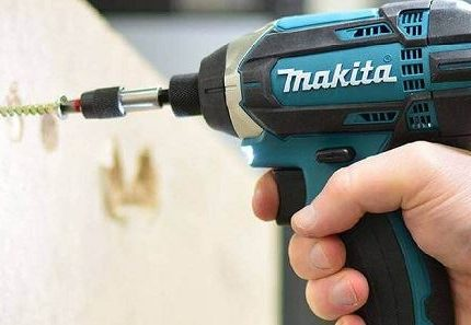 Is a cordless screwdriver the same as a drill-03